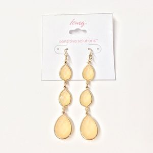 ICING Graduated Drop Earrings w/ Faceted Gems